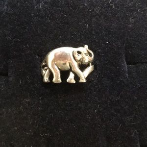 Jewelry - Silver Elephant 🐘 Ring